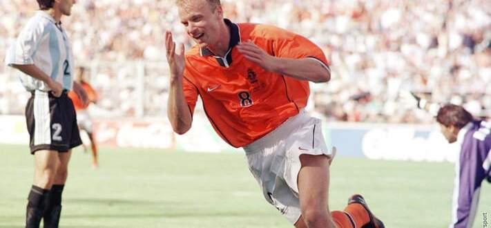 حدث في مثل هذا اليوم: بيرغكامب يخطف هدفًا مذهلا أمام الأرجنتين في مونديال 1998