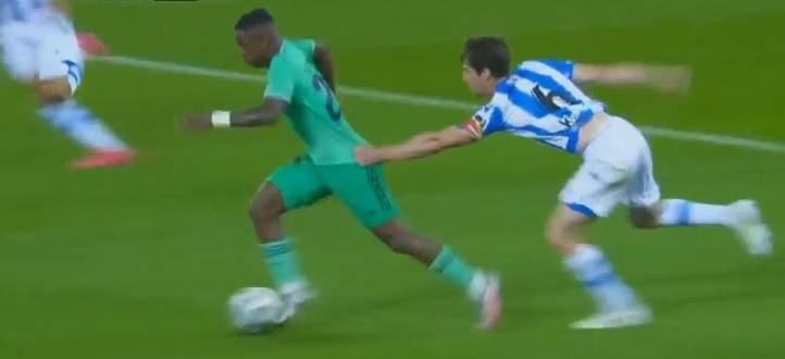 الحكم ينصف ريال مدريد بشهادة تقنية الفيديو