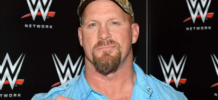 WWE تحتفي بالمصارع ستيف أوستن وتستعرض ابرز الحظات في مسيرته