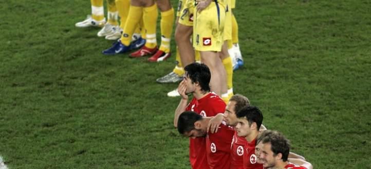 خاص: مباراة غريبة ب 15 لاعب واستبسال الدفاع السويسري لم ينفع