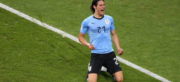 كافاني يقود الأوروغواي الى ربع نهائي كأس العالم