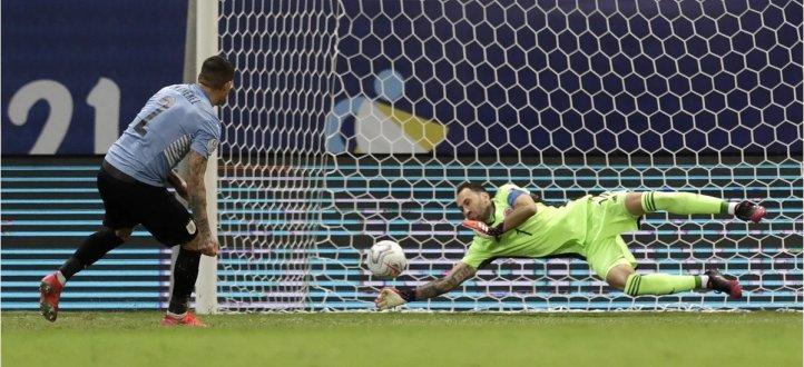 اهم مجريات المباراة بين الأوروغواي وكولومبيا