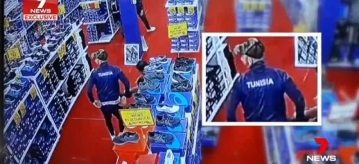 مشكلة للاعبي تونس في متجر رياضي