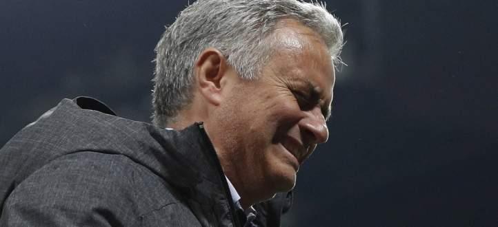 فيديو: مورينيو يبكي إشتياقا لكرة القدم