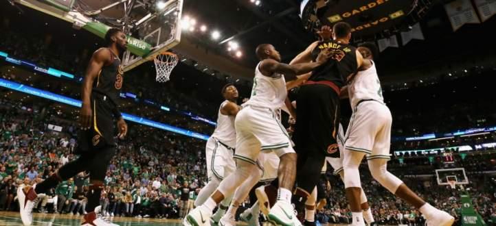 اشكال بين موريس ونانس في المباراة الخامسة من نهائي شرقي NBA