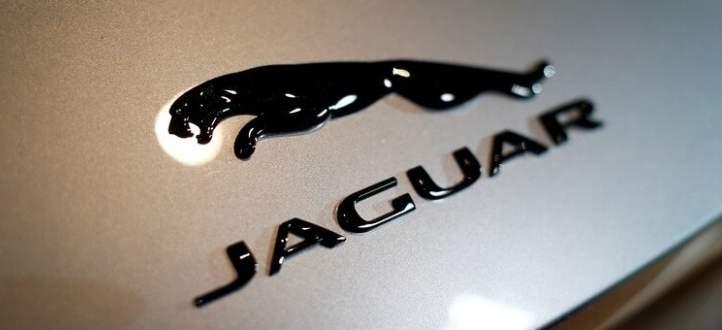 جاغوار تكشف عن سيارة منافسة لسيارة بورش