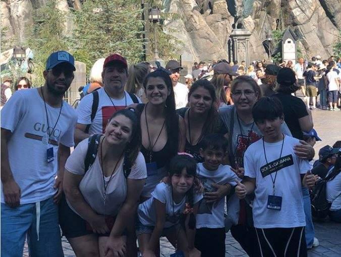 سرجيو أغويرو مع عائلته في العطلة الصيفية