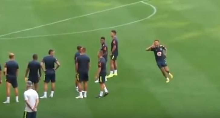 نيمار يقلّد رونالدو في إحتفالية تسجيل هدف في التمارين