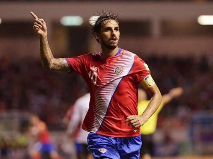 قائد كوستاريكا الى الدوري البرازيلي