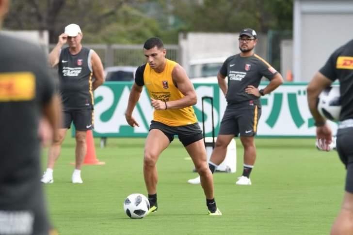اللبناني الاصل اندرو نبوت يواصل تدريباته مع فريق اوراوا