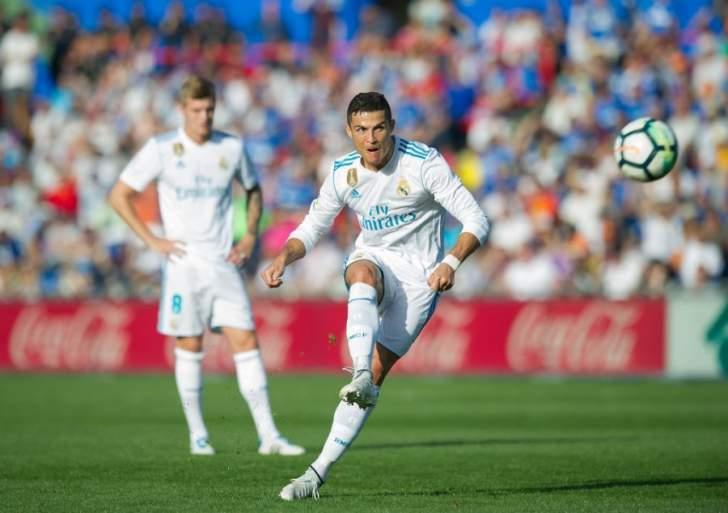 رونالدو يعادل رقم ميسي كهداف تاريخي في مرحلة مجموعات الابطال