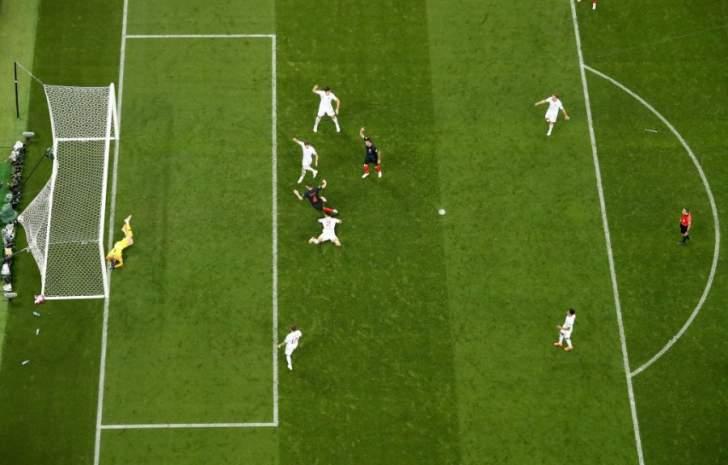 افتقاد التعاون بين شاكيرالحكم الرئيسي ومساعديه في مباراة كرواتيا انكلترا