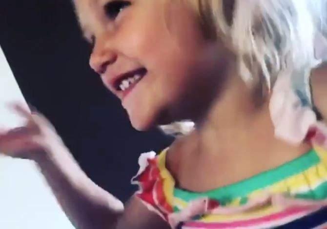 لويس هاميلتون يمازح إبنة أخته