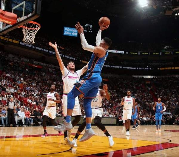 NBA : سان انطونيو واوكلاهوما يحسمان تاهلهما الى نهائيات المجموعة الغربية
