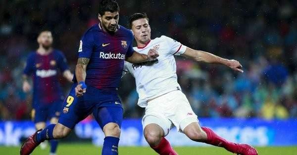 ريال مدريد ينافس برشلونة على مدافع اشبيلية