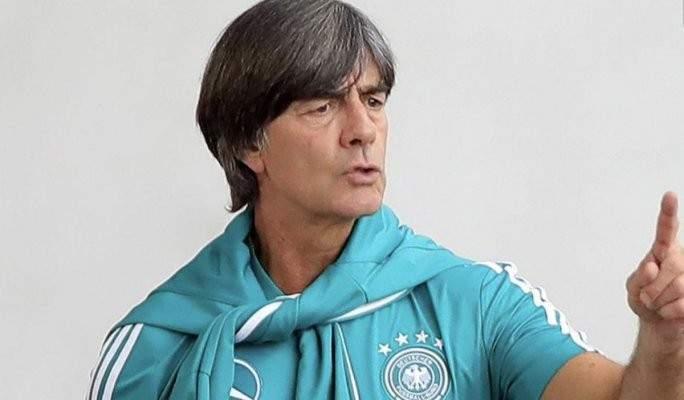 لوف سعيد بالفوز على البيرو ويحدد موقع كيميتش في التشكيلة الالمانية