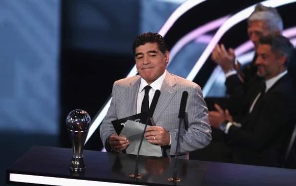 مارادونا : يجب أن يبقى ايكاردي بعيداً عن المنتخب