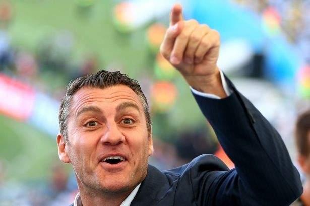 فييري: رونالدو يجب أن يلعب مع ديبالا وكوستا