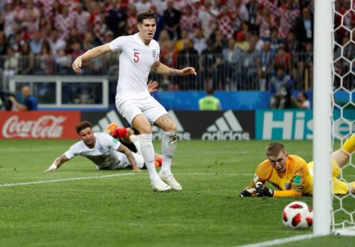 كين ينتقد اداء ستونز في مباراة كرواتيا