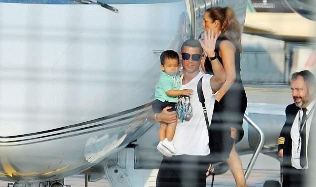 وصول رونالدو الى تورينو لبدء مسيرته مع اليوفي
