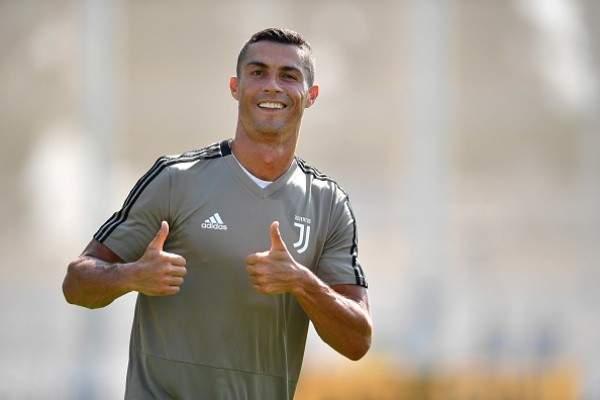 موجز المساء: رونالدو يبدأ التدريبات مع يوفنتوس، لبنان بطل ذهاب غرب آسيا، متعب يعلن الإعتزال وعملية تفجير بمباراة كرة قدم