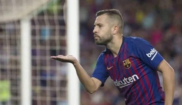 برشلونة يتجه لتجديد عقد البا والاخير يفرض شروطه