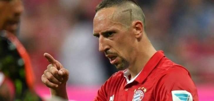 موجز المساء: الإصابات تضرب ريال مدريد، ميسي يحصل على جائزتين، ريبيري يصفع مراسل وحكم إيطالي يصارع الموت