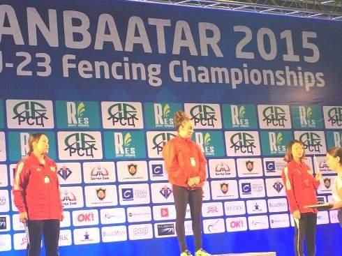 بطولة آسيا واوقيانيا في المبارزة : ميدالية ذهبية لمنى شعيتو