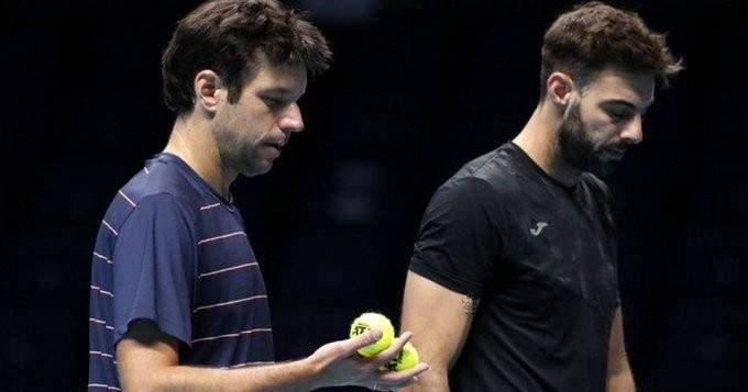 غرانويرس وثيبايوس يودعان منافسات الزوجي بالبطولة الختامية من نصف النهائي