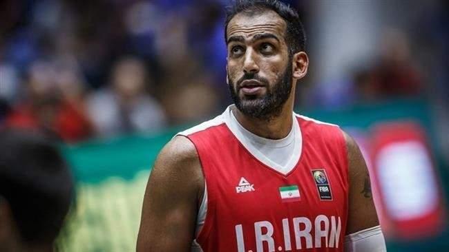 عملاق المنتخب الإيراني في كرة السلة ينتقل إلى الصين