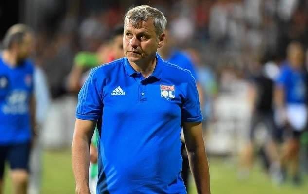 المدرب الفرنسي جينيسيو يقترب من الهلال السعودي
