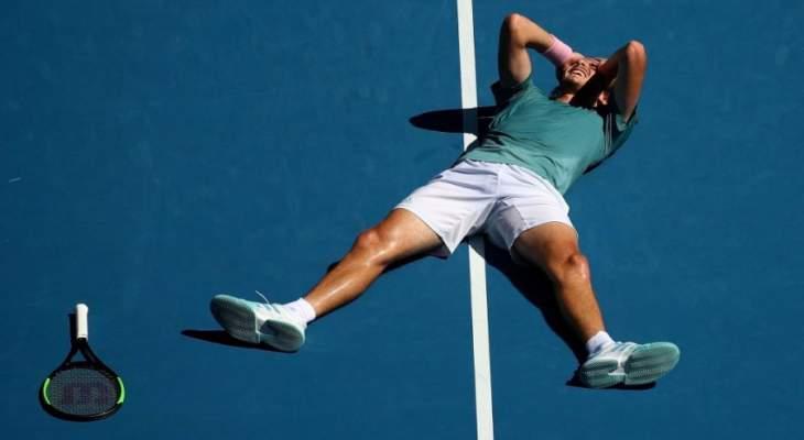 تسيتسيباس يدخل التاريخ بعد تألقه في بطولة استراليا