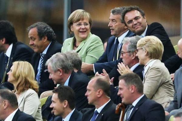 هكذا تفاعلت انجيلا ميركل مع اهداف المانيا