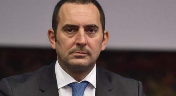 وزير الرياضة الايطالي: رونالدو يظن نفسه أعلى من الآخرين