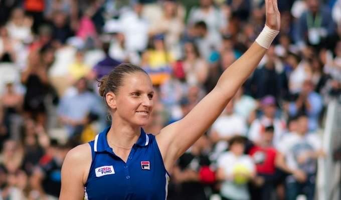 كارولينا بليسكوفا تصل الى نصف نهائي بطولة باريس بيرسي