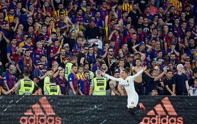 فالنسيا يفاجئ برشلونة ويجرّده من لقب كأس الملك وفالفيردي بخطر كبير