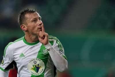اوليتش  يجدد عقده مع فولفسبورغ
