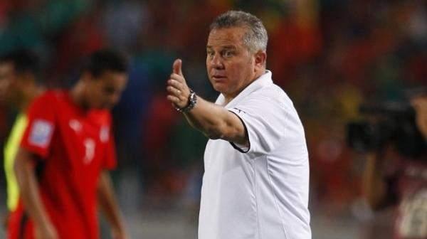 رقم مميز لشوقي غريب بعد مباراة مصر واسبانيا