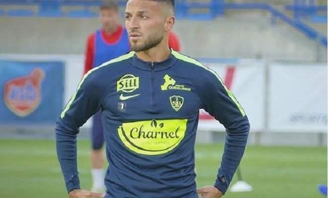 استبعاد لاعب من معسكر المنتخب الجزائري بسبب فيديو غير لائق