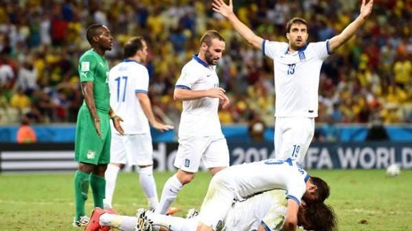 اليونان تستعيد امجادها وتقلب الطاولة على ساحل العاج لتلتقي كوستاريكا