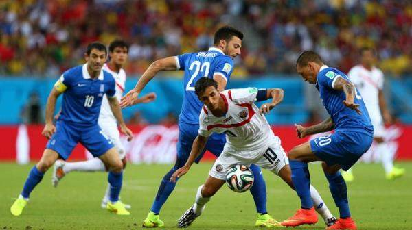 """كوستاريكا """"حصان طروادة"""" تقصي اليونان وتتحدى طواحين هولندا"""