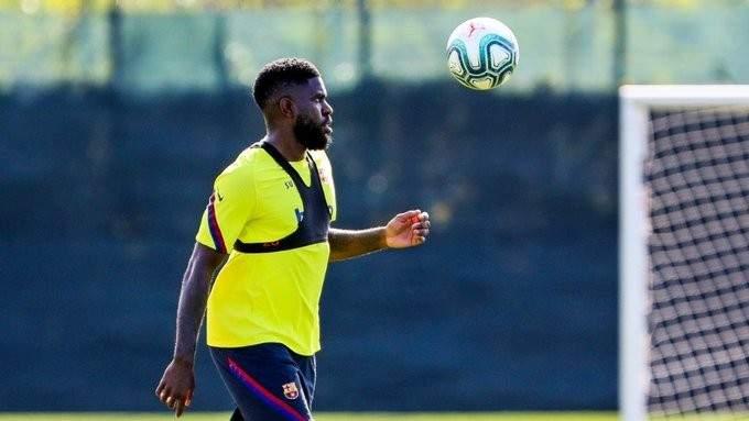 برشلونة يعلن اصابة اومتيتي