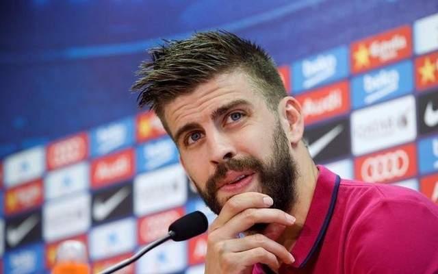 بيكيه يهاجم إدارة برشلونة ويؤكد أنه طلب من ميسي البقاء