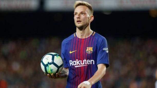 برشلونة يتجه لاعارة راكيتيتش قبل غلق الميركاتو