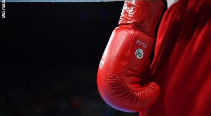 لقطة نادرة على حلبة الملاكمة