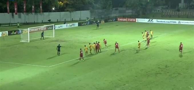 حارس منتخب سيريلانكا يتعملق امام تسديدات لاعبي منتخب الارز