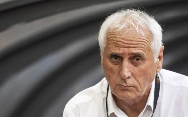 فيديو: ردّة فعل طريفة من مدرب منتخب كوسوفو