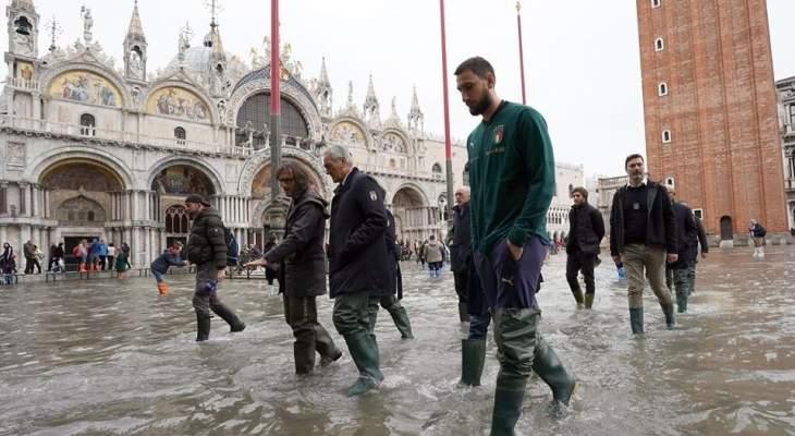 جيانلويجي دوناروما يزور مدينة البندقية العائمة للمساندة