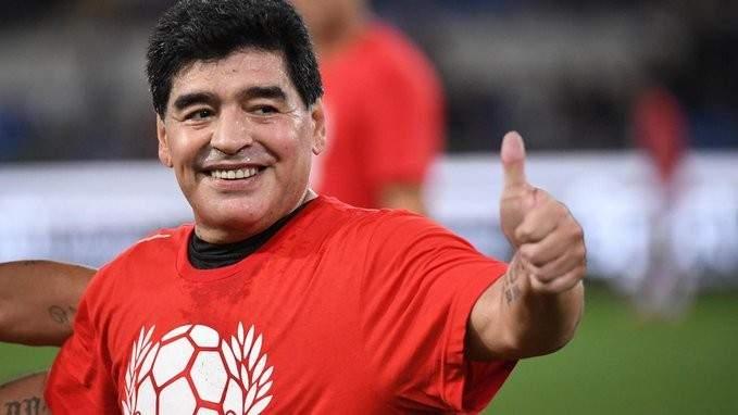 أبو تريكة: كرة القدم حزينة والعالم حزين لرحيل افضل من لمسها وامتع عشاقها