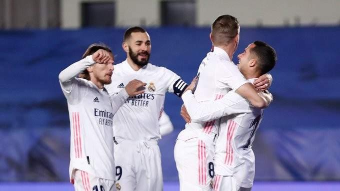ريال مدريد يكرم وفادة سيلتا فيغو بثنائية ويتصدر مؤقتاً